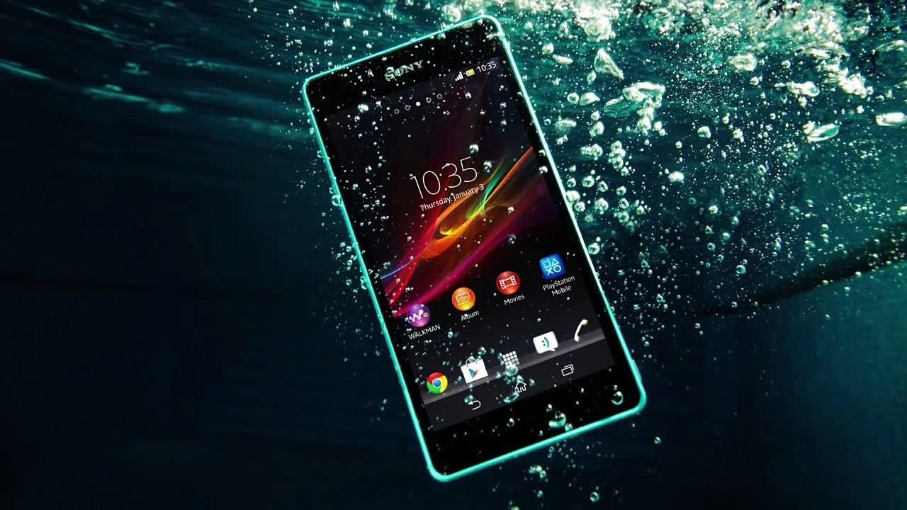 Smartphone dengan perlindungan anti air terbaik